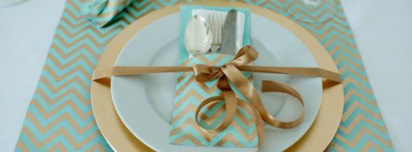 Tischlein deck dich - oder wie man aus Geschenkpapier eine Tischdeko zaubert