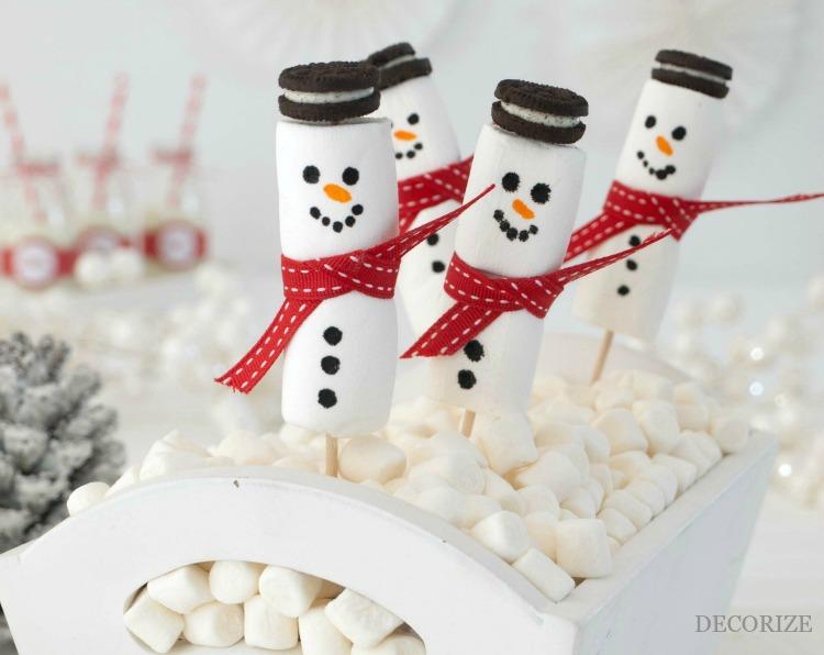 Marshmallow Schneemänner mit Oreo-Hut
