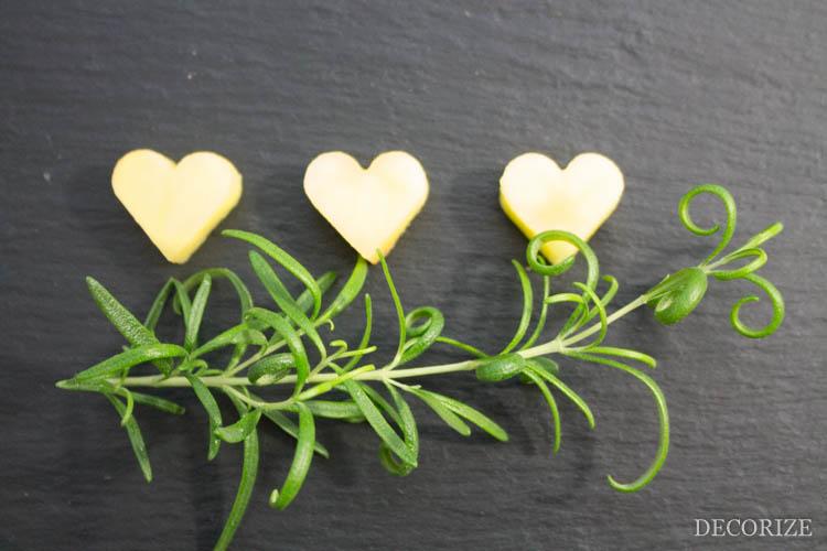 Herz-haftes zum Valentinstag: Rosmarinkartoffeln in Herzform