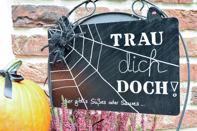 Trau' dich doch! - Unser Halloween-Türschild