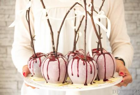 Blutige Äpfel für Dein Halloween-Buffet. Mit Rezept und Anleitung
