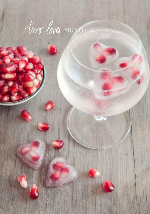 Die 10 schönsten Ideen zum Valentinstag: Granatapfel Eiswürfel