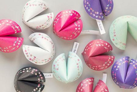 Die 10 schönsten Ideen zum Valentinstag: Glücks-Kekse Freebie