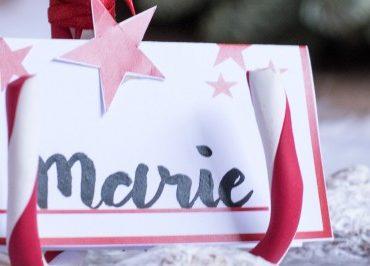 Für die Weihnachts-Festtafel: DIY-Platzkartenhalter aus Zuckerstangen