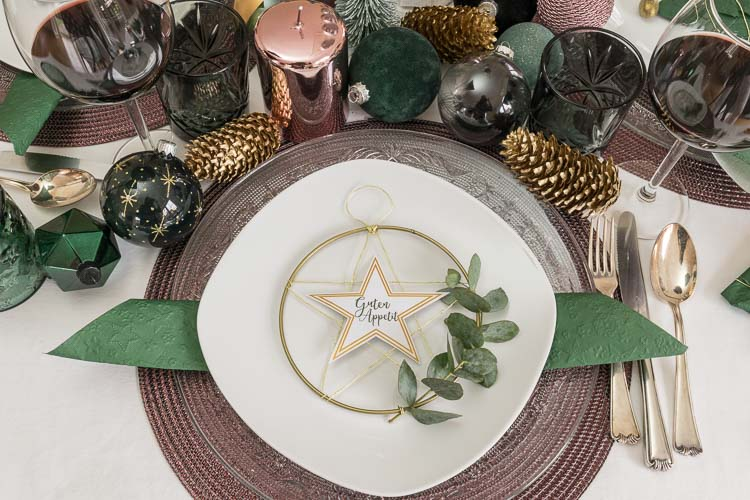 Weihnachtliche Tischdeko: DIY Sternenkranz