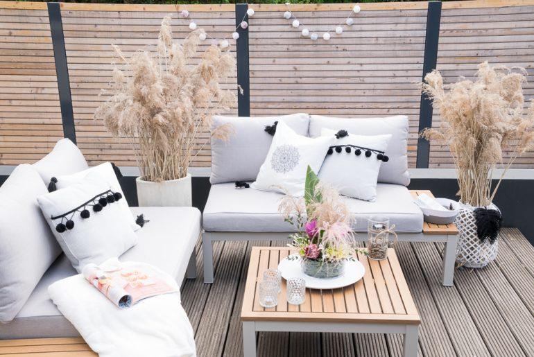 Deko-Trend Gräser:  Outdoor-Lounge im Boho-Look
